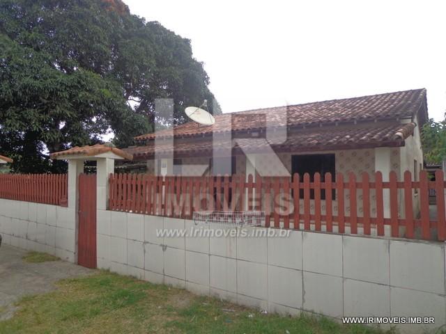 Propriedade: Três Casas e Duas Quitinetes, Moradia e Locação *ID: E-10