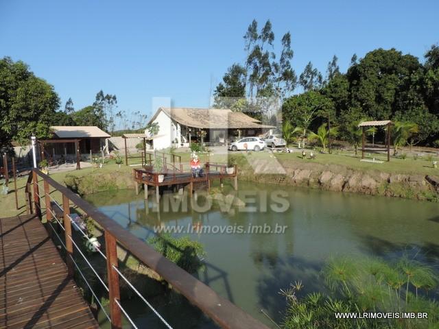 Mini Sítio, 3.500 m² de área de terras com Casa de 240 m² de área coberta *ID: IGP-01