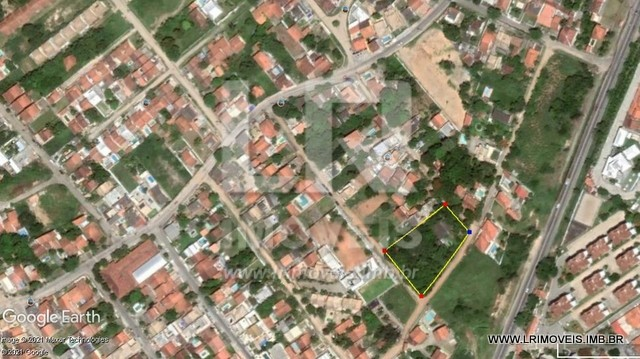 Área com 3.830 m² + Casa edificada com 305 m², 200 mts Amaral Peixoto *ID: LA-06
